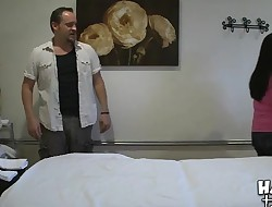 Dude gets sex as a surprise during gentle massage