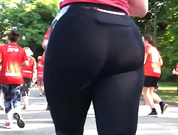 Thick PAWG MILF Jogging in Skin-Tight Spandex